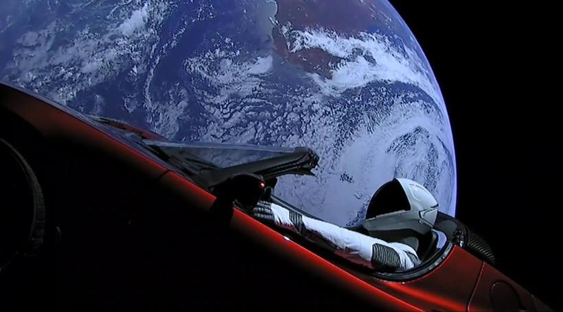 Tesla Roadster віднесли до космічного сміття