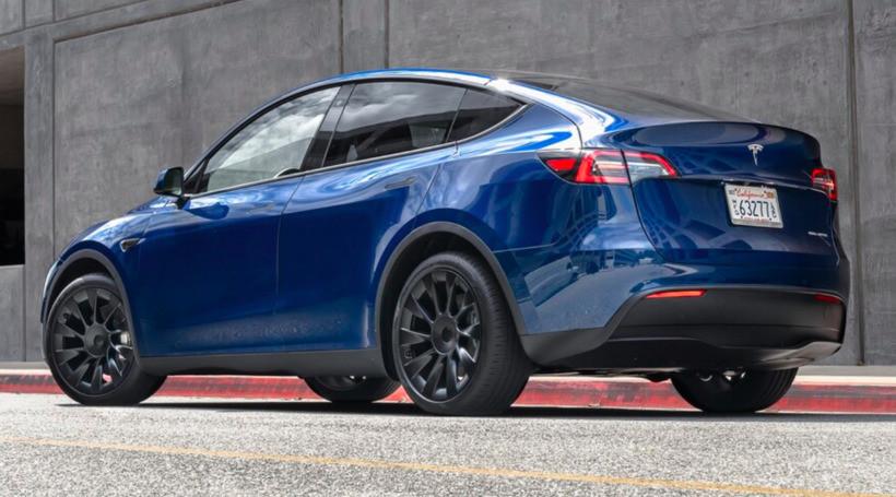 Маск анонсував продаж 7-місної Tesla Model Y