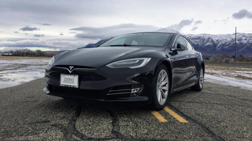 Tesla Model S перетворили на броньовик