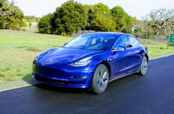 Тест-драйв Tesla Model 3 від авторитетного видання