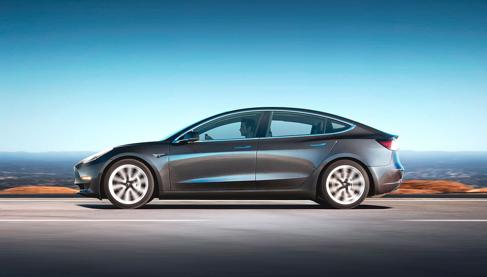 Американське видання купило Tesla Model 3 заради огляду