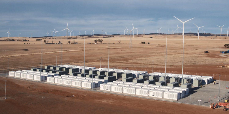 Tesla безкоштовно поставила третина електрики через занадто швидку роботу батарей