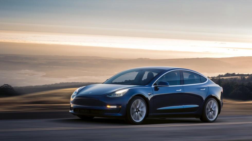 Стали відомі терміни виходу повнопривідної Tesla Model 3