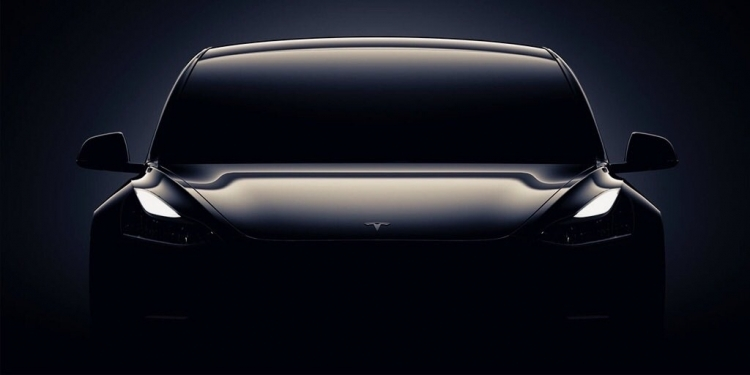 Tesla Model Y почнуть випускати восени наступного року?