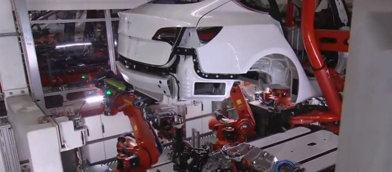 Tesla Model 3: без участі людини у виробництві не обійдеться