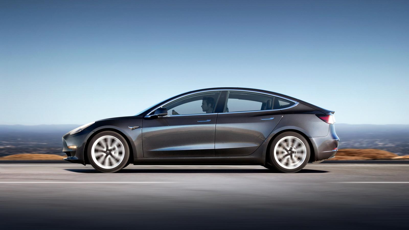 У Tesla пояснили причини  затримки виробництва Model 3