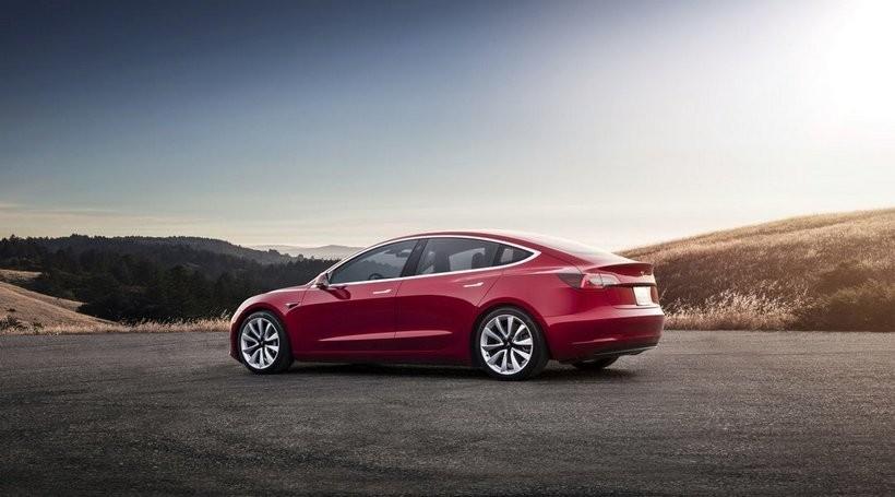 Tesla Model 3 за якістю зборки не поступається Audi, BMW і Mercedes