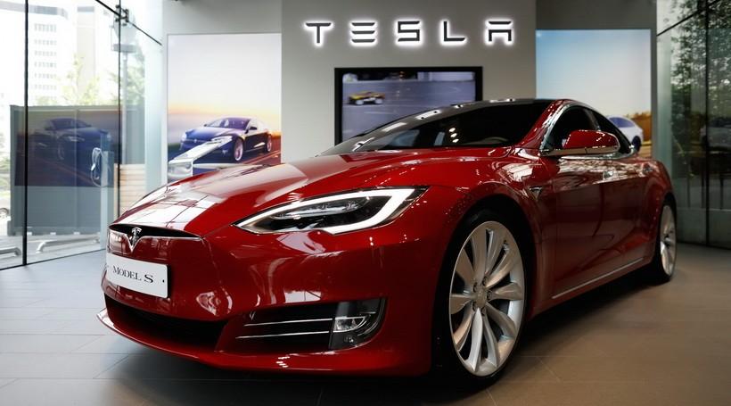 У найбільшому відкликанні автвівок Tesla немає провини самого виробника