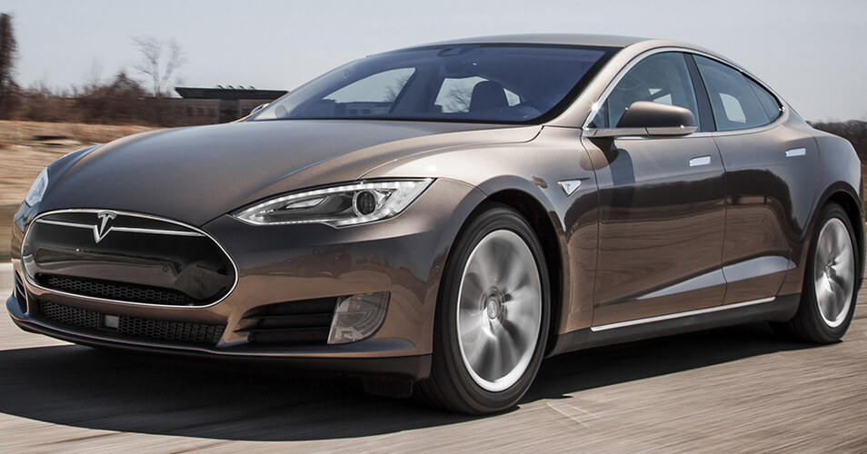 Тест Tesla Model S: забудь о ценах на бензин!