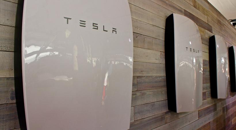 Домашні акумулятори Tesla: коли не варто боятися грози та блискавки