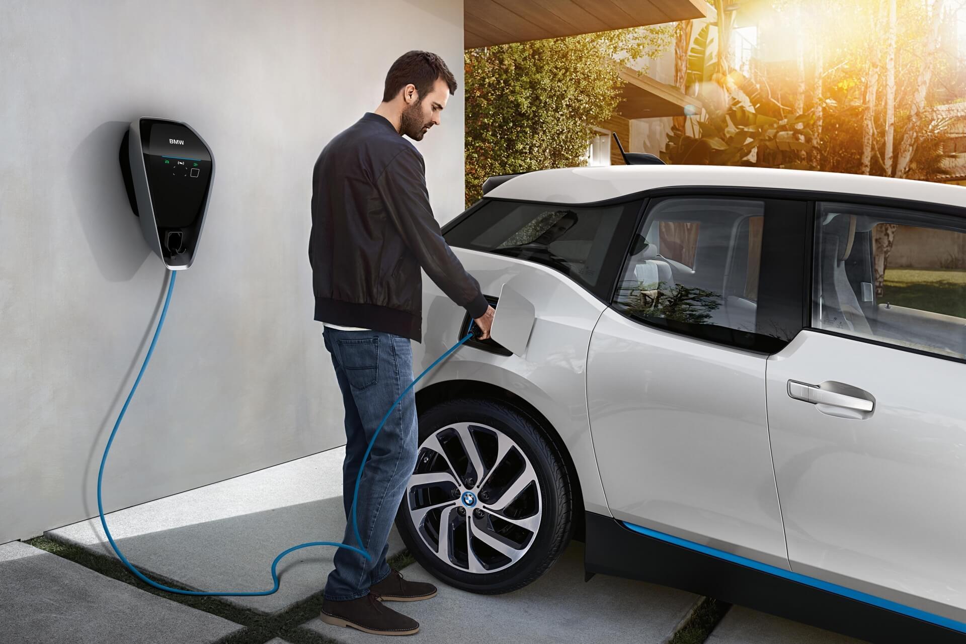 KEBA – партнер BMW у виробництві зарядних пристроїв i Wallbox