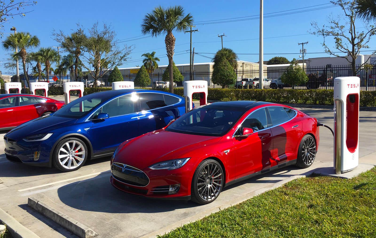 Tesla відмовилася від батареї 90 кВтгод  та змінила назву для моделей 75, 100D  ТА P100D