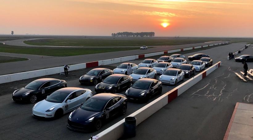 TeslaModel 3: перші поставки до Європи та зниження ціни