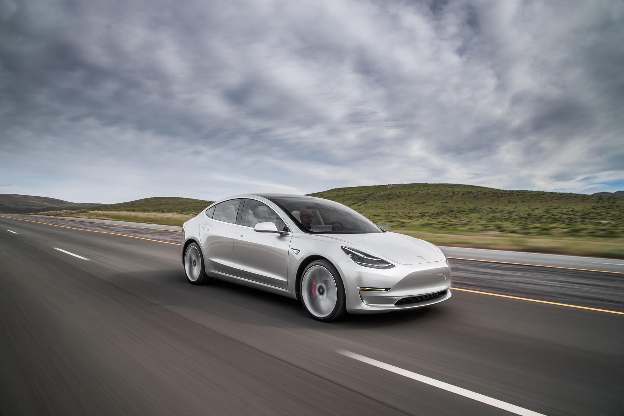 Tesla Model 3: усе, що відомо на сьогодні