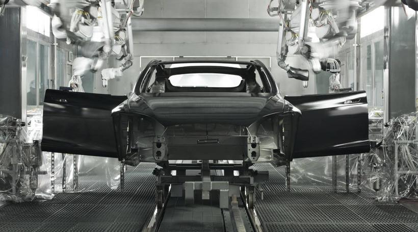 Tesla Model 3 вразила розробників електромобілів Porsche та Audi