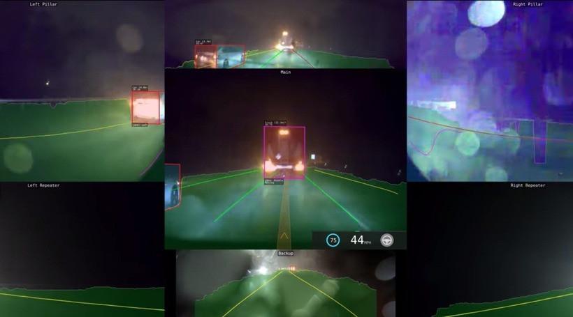 Як працює автопілот Tesla вночі під час грози (відео)