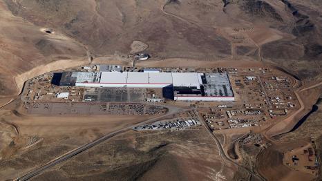 Плани Tesla: ще дві-три Gigafactory в США