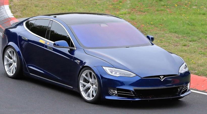Tesla побила рекорд Porsche Taycan на Нюрбургринзі! Але поки це неофіційно