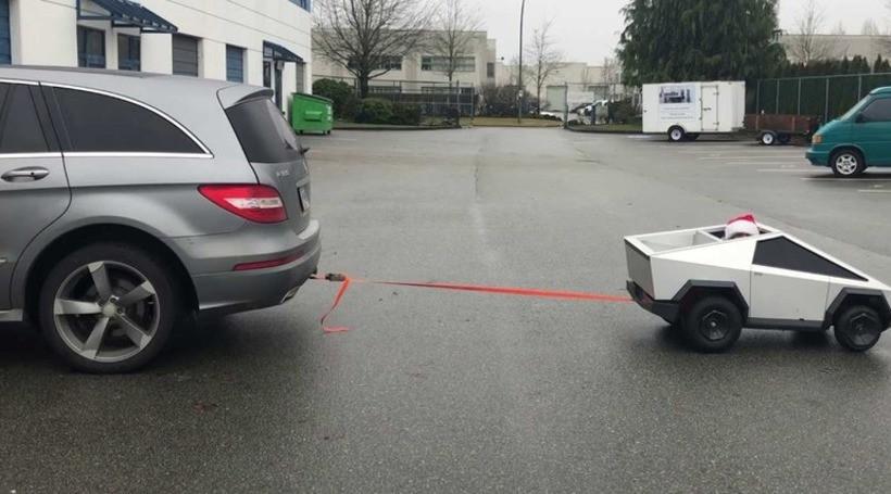 Відео: саморобний Tesla Cybertruck проти Mercedes-Benz
