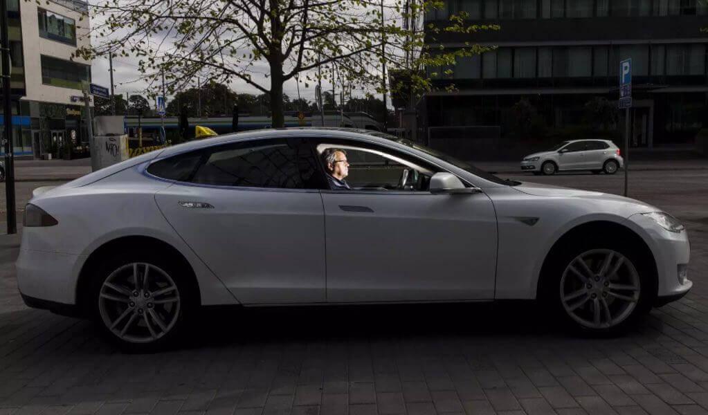 Рекордні пробіги: Tesla Model S, які проїхали майже півмільйона кілометрів