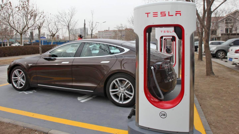 Tesla збільшила запас ходу Model S/X 60/60D через ураган Ірма